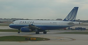 United Continental Boeing 737 at Chicago ORD - Nov 2011